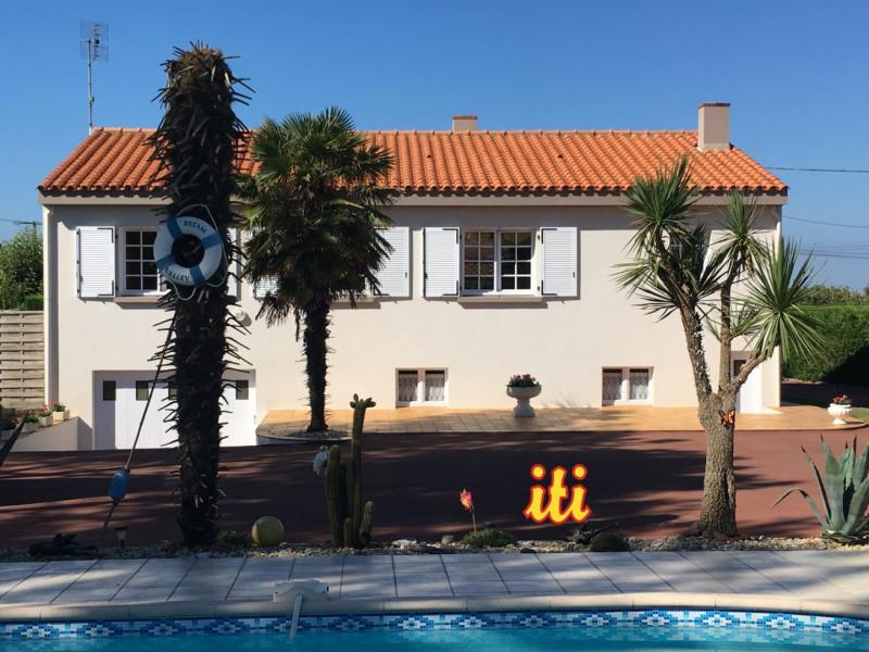 Sale house / villa Chateau d olonne 365000€ - Picture 1