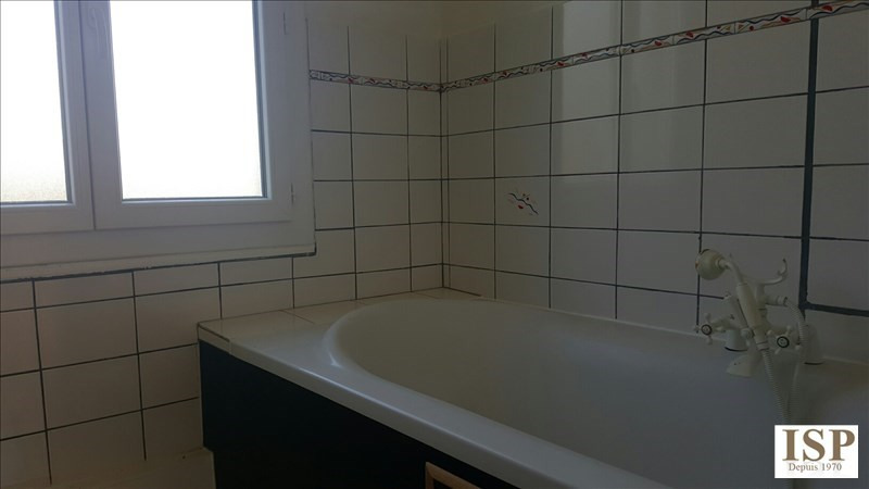Rental house / villa Marseille 15 1 111€ CC - Picture 11