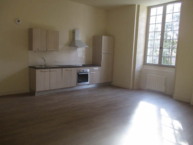 Verhuren  appartement Nimes 629€ CC - Foto 1