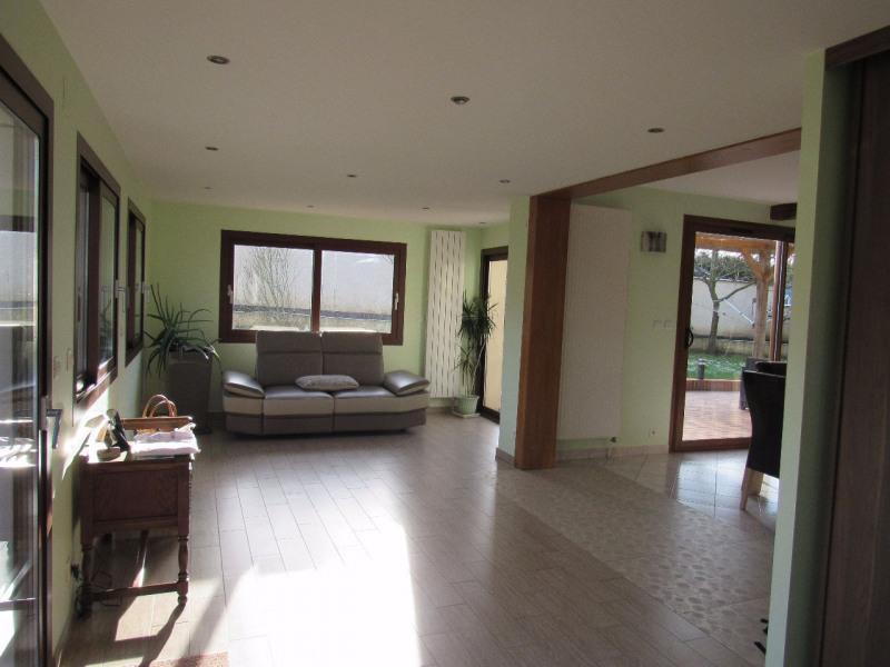 Sale house / villa Ferolles attilly 435000€ - Picture 3