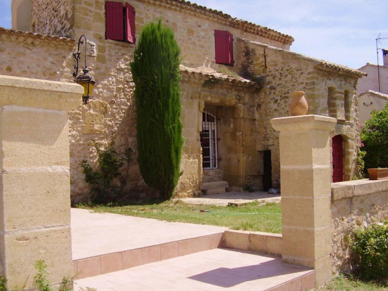 Deluxe sale house / villa Lambesc 584000€ - Picture 1