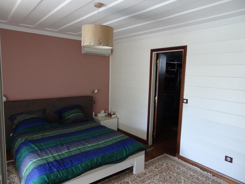 Deluxe sale house / villa La possession 570000€ - Picture 5