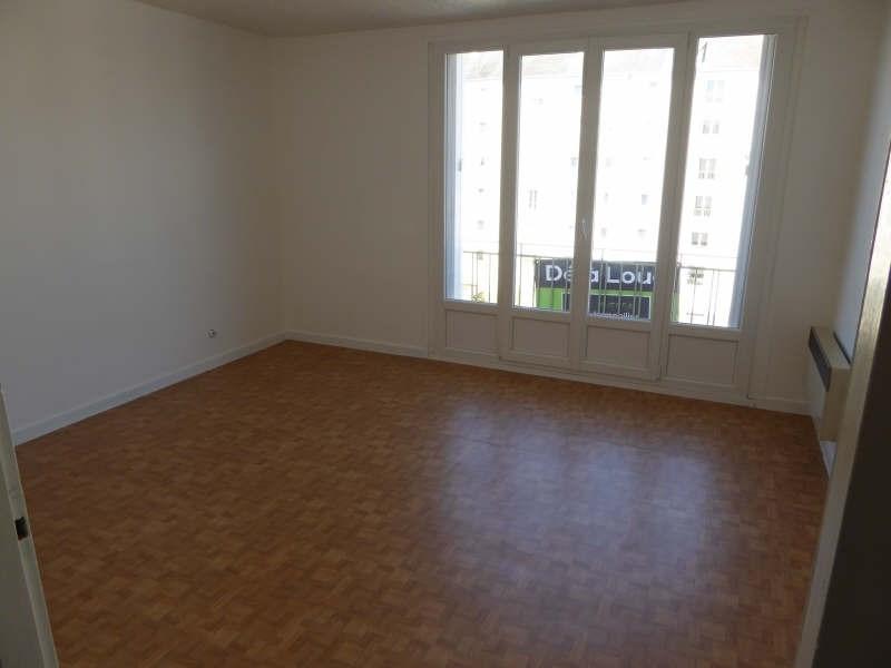 Location appartement Maurepas 508€ CC - Photo 1