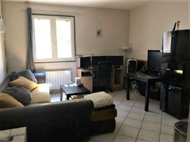 Location appartement Gemenos 590€ CC - Photo 1