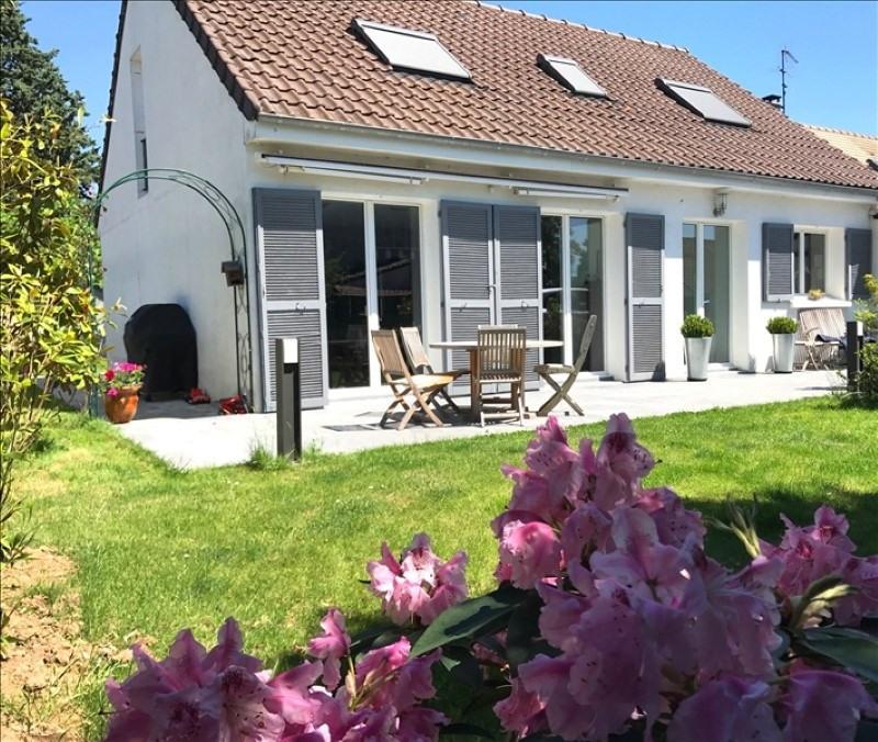 Sale house / villa Feucherolles 675000€ - Picture 1
