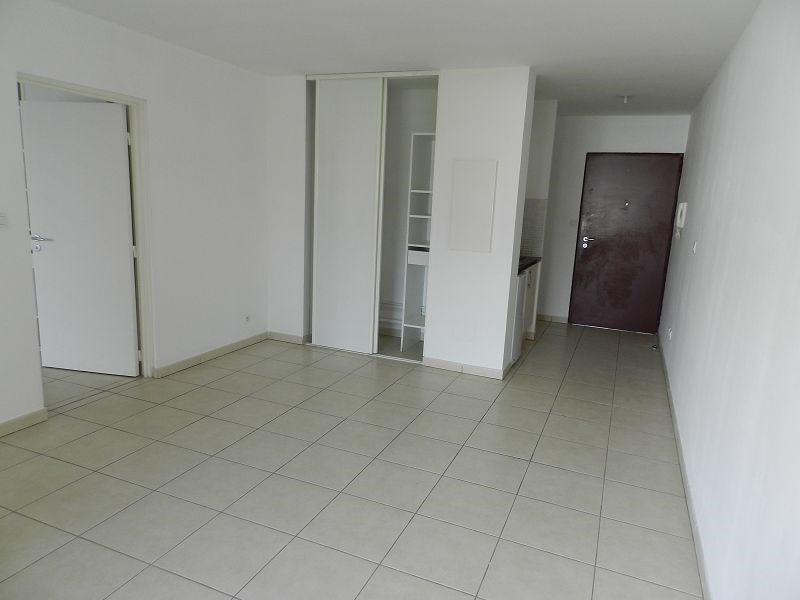 Location appartement St denis 485€ CC - Photo 4
