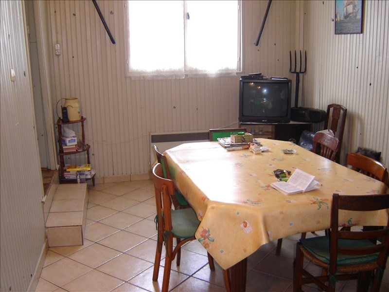 Sale house / villa St jean d angely 59400€ - Picture 3