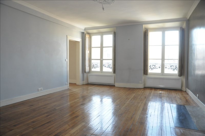 Sale apartment Versailles 680 000€ - Picture 2