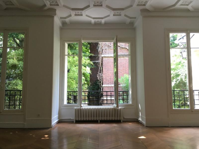 Location maison / villa Paris 16ème 5150€ +CH - Photo 2