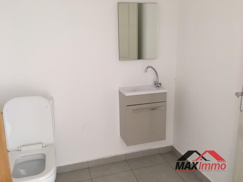 Location local commercial St pierre 1100€ HT/HC - Photo 3