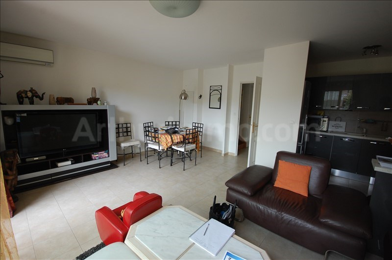 Sale apartment Frejus 315000€ - Picture 3