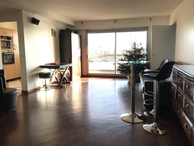 Sale apartment Courbevoie 629 000€ - Picture 1