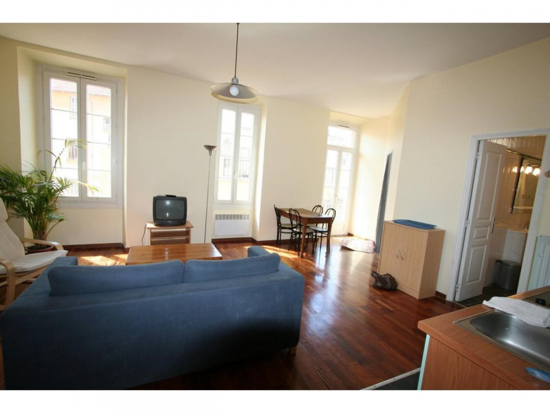 Location appartement Nice 799€ CC - Photo 1
