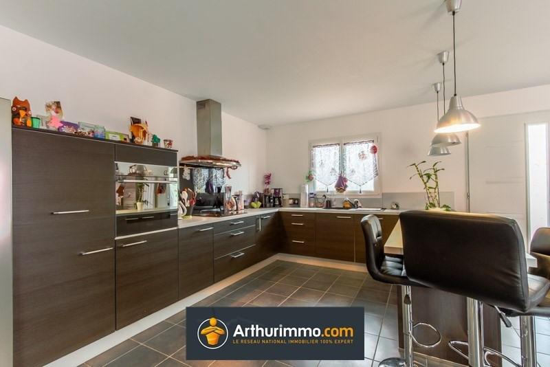 Sale house / villa Morestel 220000€ - Picture 2