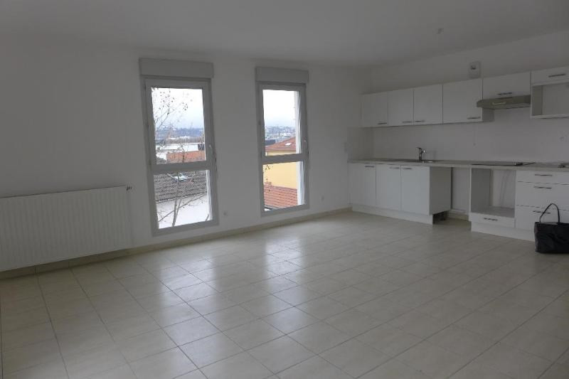 Rental apartment Saint fons 962€ CC - Picture 5