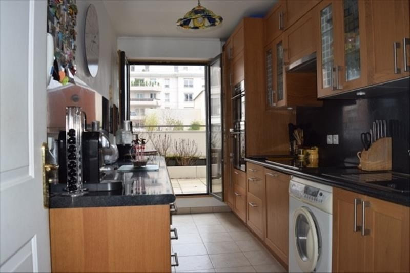 Sale apartment Courbevoie 699 000€ - Picture 1