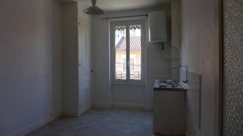 Rental apartment Lyon 8ème 519€ CC - Picture 2