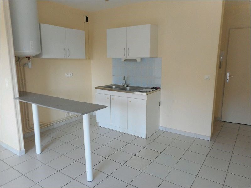 Location appartement Sainte genevieve des bois 639€ CC - Photo 2