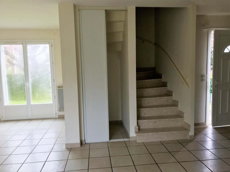 Rental house / villa St gence 772€ CC - Picture 6