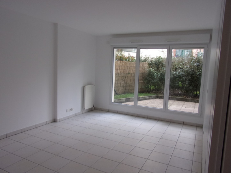 Sale apartment Poissy 212000€ - Picture 1