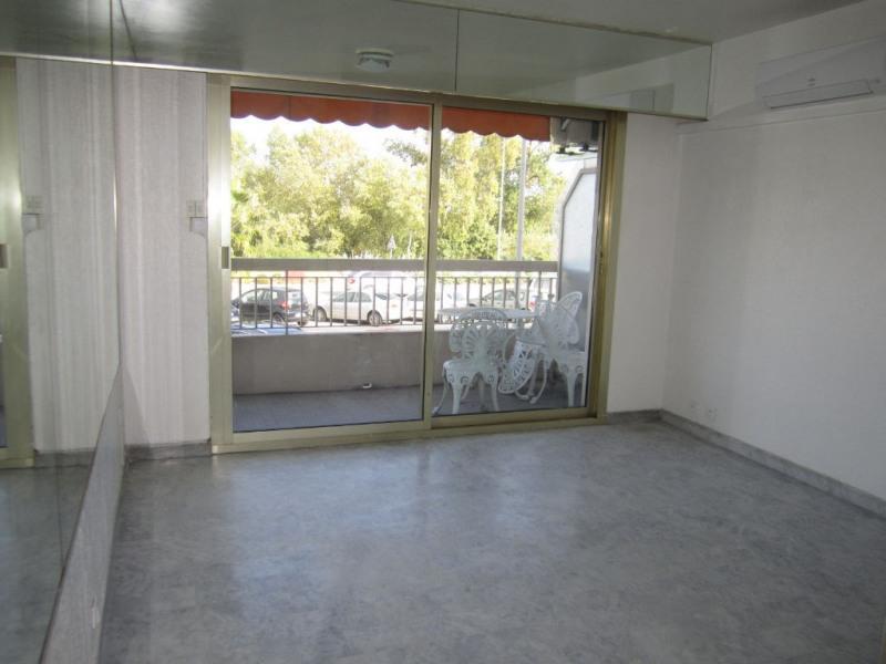 Rental apartment Saint laurent du var 495€ CC - Picture 1
