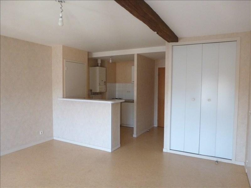 Location appartement Chatellerault 337€ CC - Photo 1