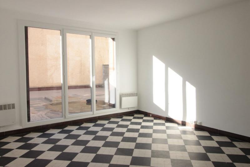 Rental apartment Marseille 890€ CC - Picture 1
