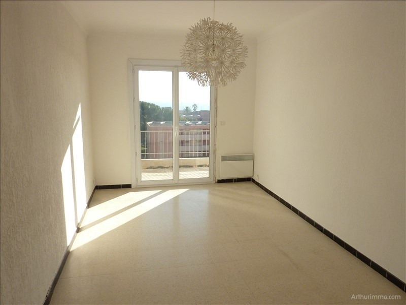 Rental apartment St aygulf 796€ CC - Picture 2