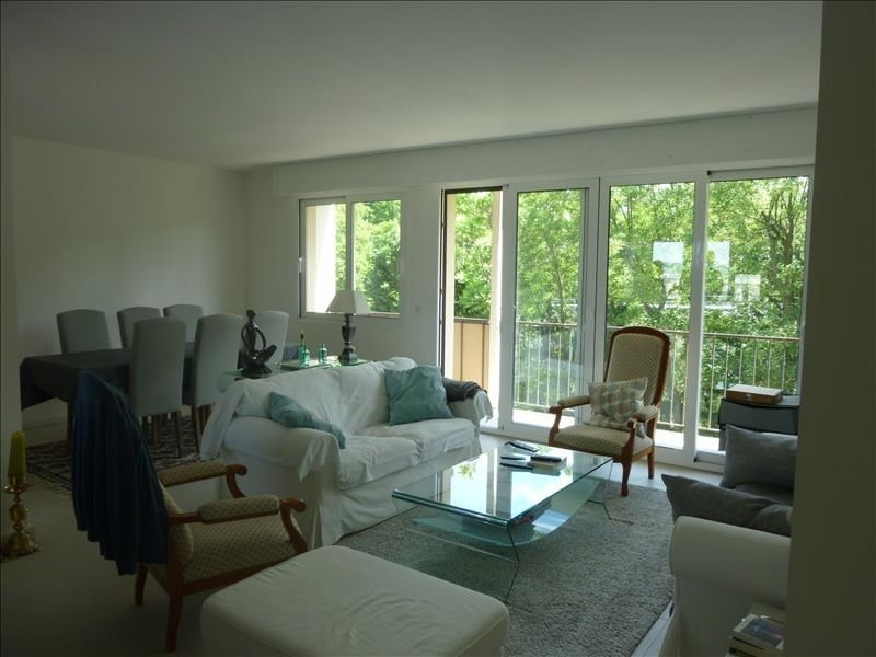 Sale apartment Poissy 295 000€ - Picture 1