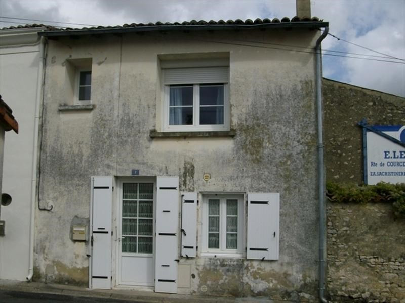 Sale house / villa St jean d angely 112 000€ - Picture 1