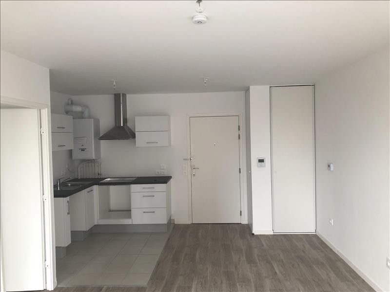 Location appartement Colombes 935€ CC - Photo 3