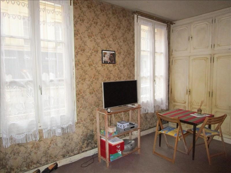 Sale apartment Versailles 200 000€ - Picture 2