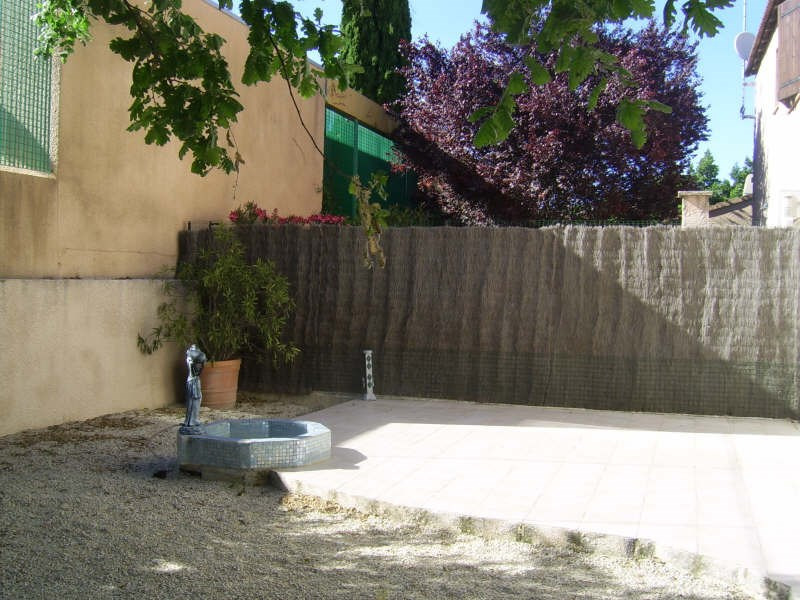 Location maison / villa Nimes 1 090€ CC - Photo 4