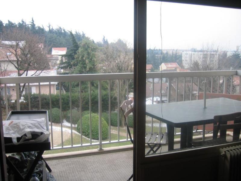 Location appartement Bron 796€ CC - Photo 1