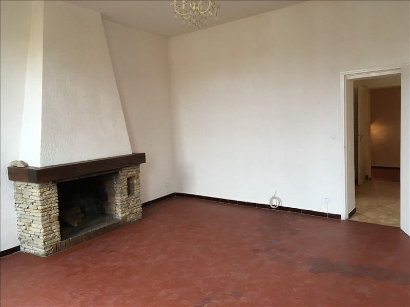Location appartement Grans 695€ CC - Photo 2