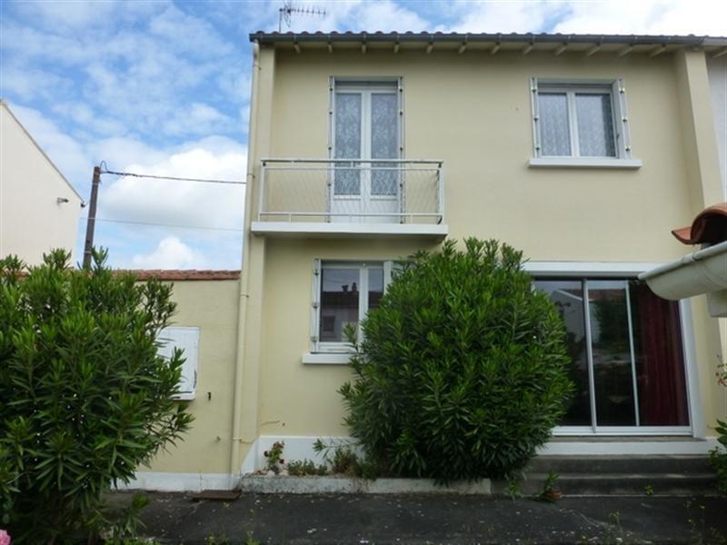 Sale house / villa Saint-jean-d'angély 117100€ - Picture 1