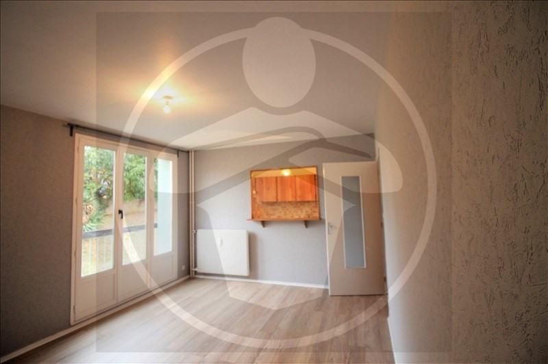 Rental apartment Pont de cheruy 640€ CC - Picture 3