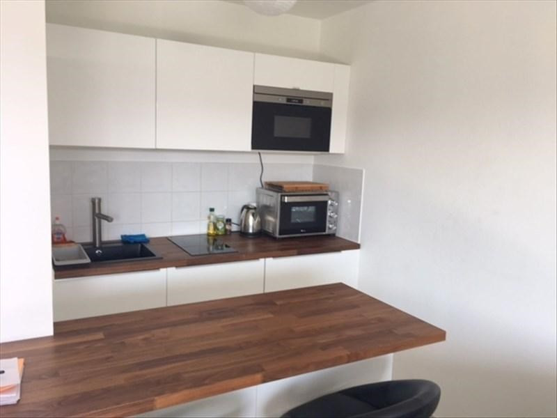 Location appartement Prevessin-moens 1090€ CC - Photo 2