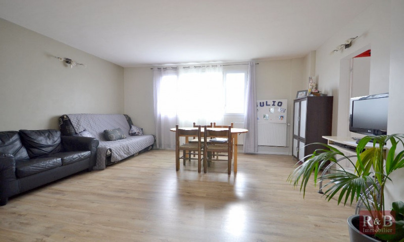Sale apartment Les clayes sous bois 183000€ - Picture 1