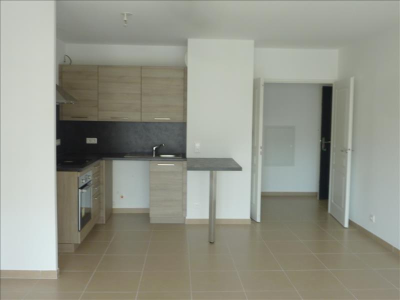 Location appartement Marseille 6ème 1021€ CC - Photo 3