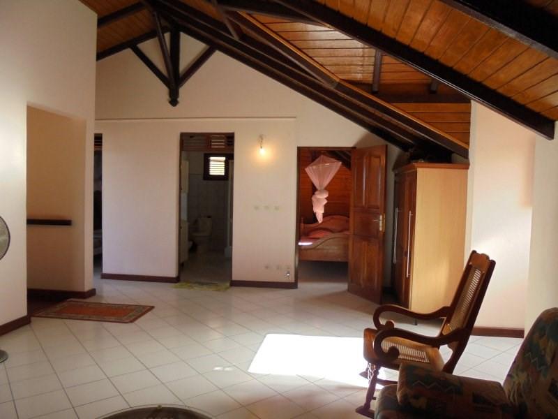 Sale house / villa Capesterre belle eau 325000€ - Picture 9