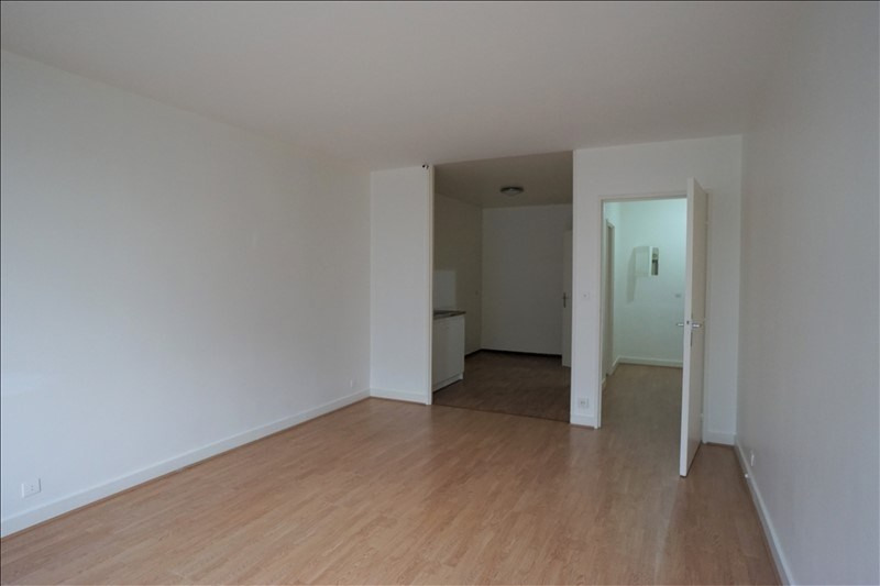 Sale apartment Courbevoie 275 600€ - Picture 3