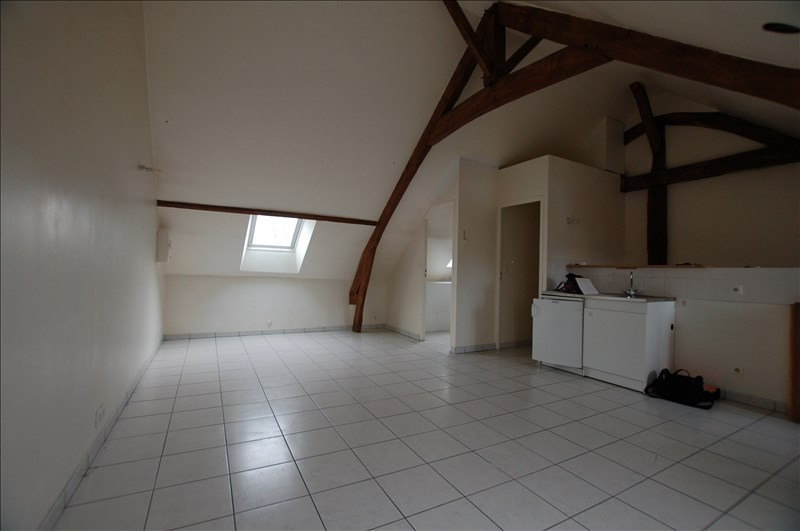 Rental apartment Mareil sur mauldre 570€ CC - Picture 2