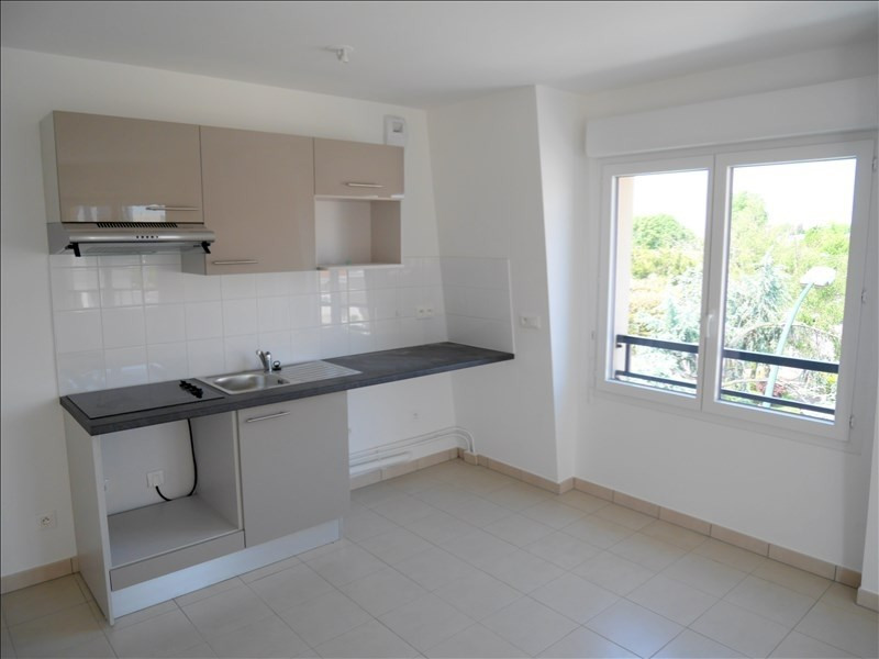 Rental apartment Le raincy 1390€ CC - Picture 2