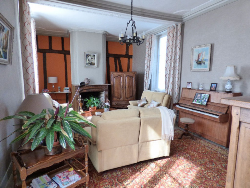 Investment property house / villa Les andelys 300000€ - Picture 9