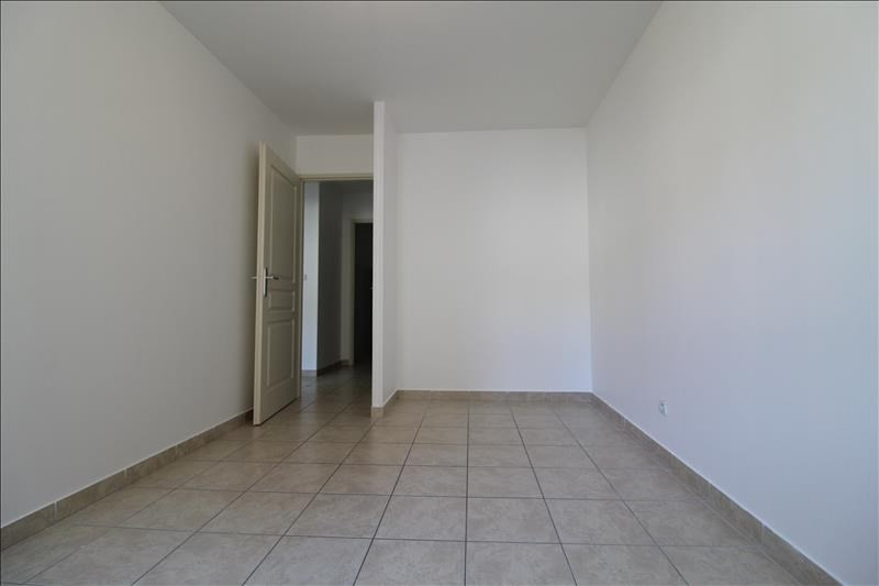 Location appartement Izeaux 650€ CC - Photo 3