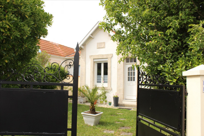 Vacation rental house / villa Chatelaillon-plage 330€ - Picture 1