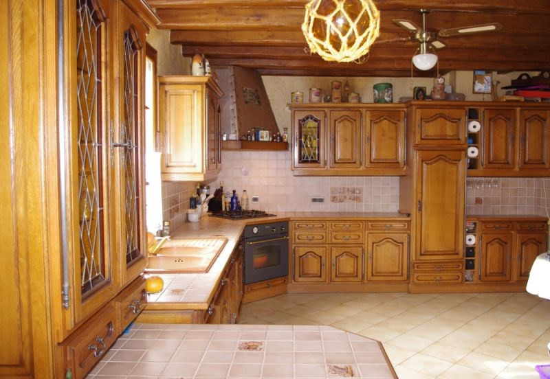Sale house / villa Crevecoeur le grand 262 000€ - Picture 2