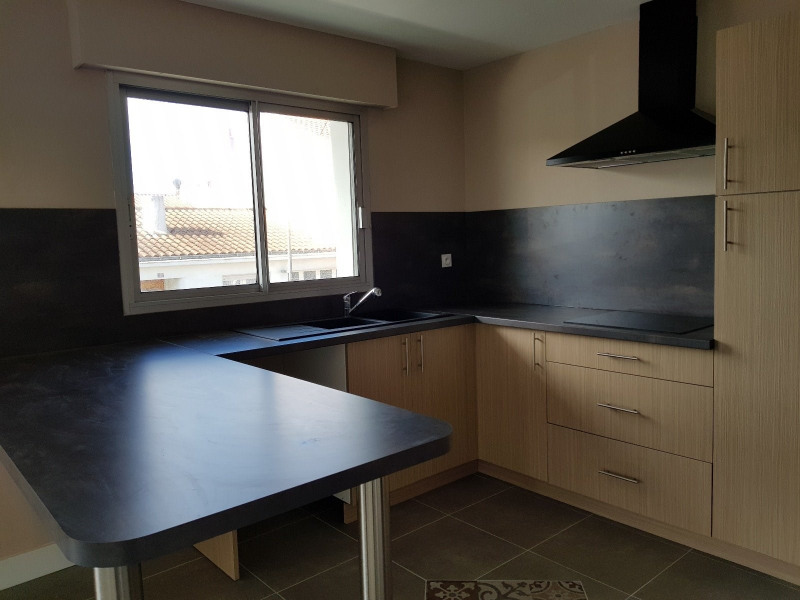 Sale apartment Les sables d olonne 278000€ - Picture 2