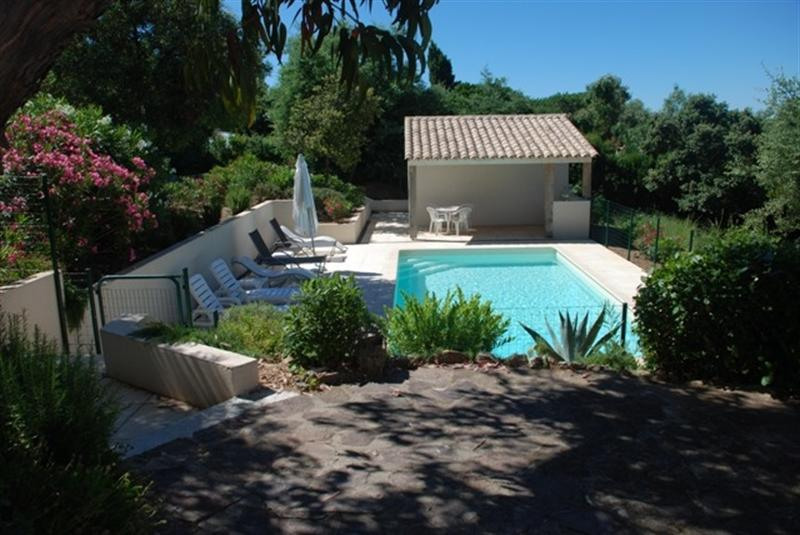 Vacation rental house / villa Les issambres 2 250€ - Picture 1